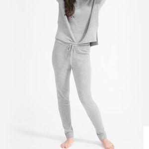 Everlane grey cashmere sweatpants size medium